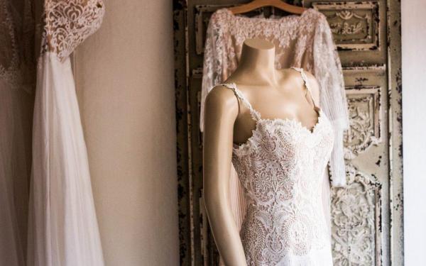 robe de mariée dentelle vintage